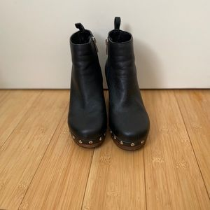 FRENCH CONNECTION black booties with studs